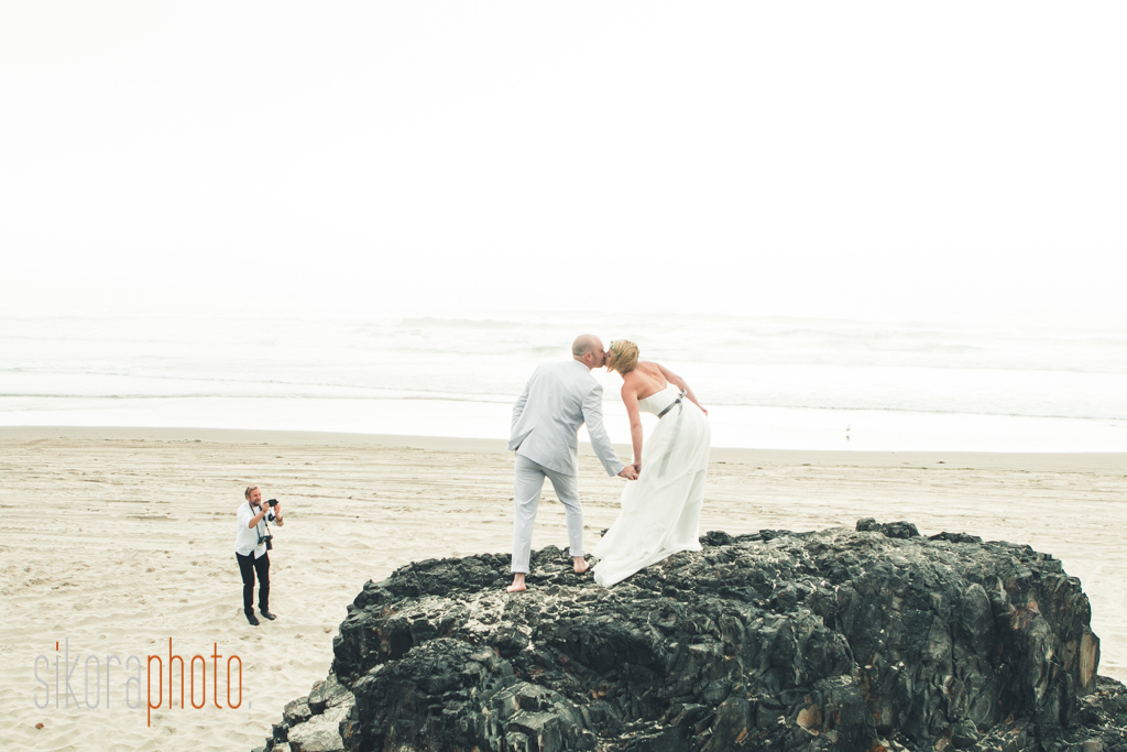 jolene and tyler oregon beach wedding-35