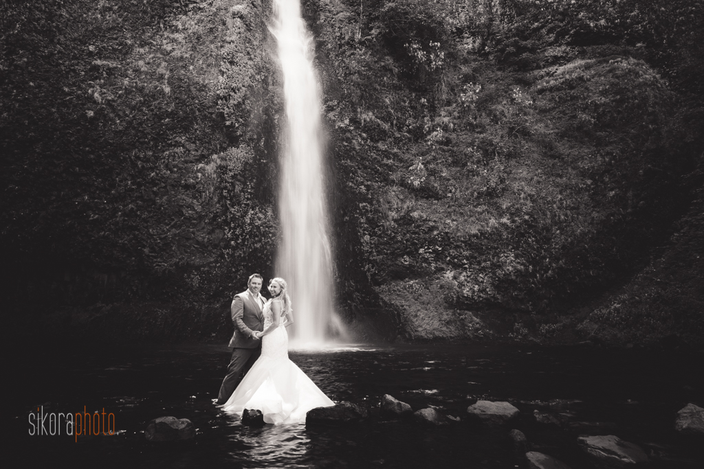columbia gorge water fall trash the dress-1