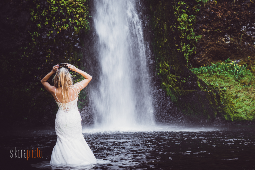 columbia gorge water fall trash the dress-6