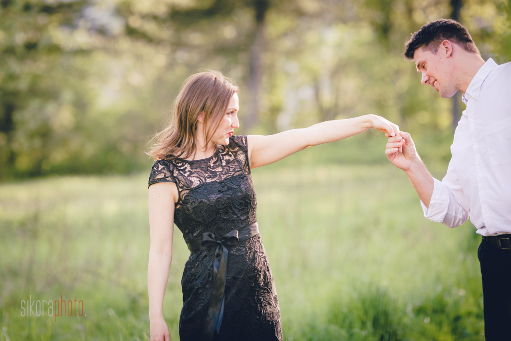 beacon rock engagement session by sikora photography