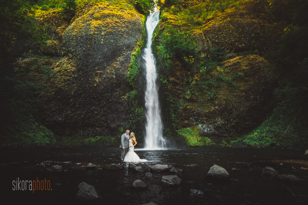 columbia gorge water fall trash the dress-2